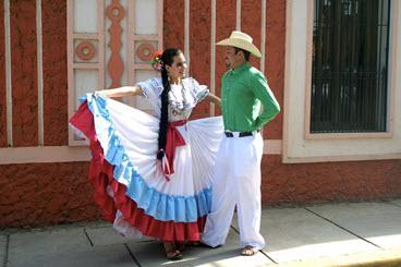 Traje típico de Las Chilcas